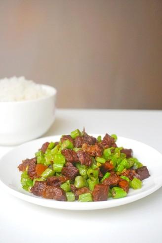豆角炒牛肉的做法