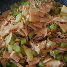 酱香素三鲜(芹菜豆芽腐竹)