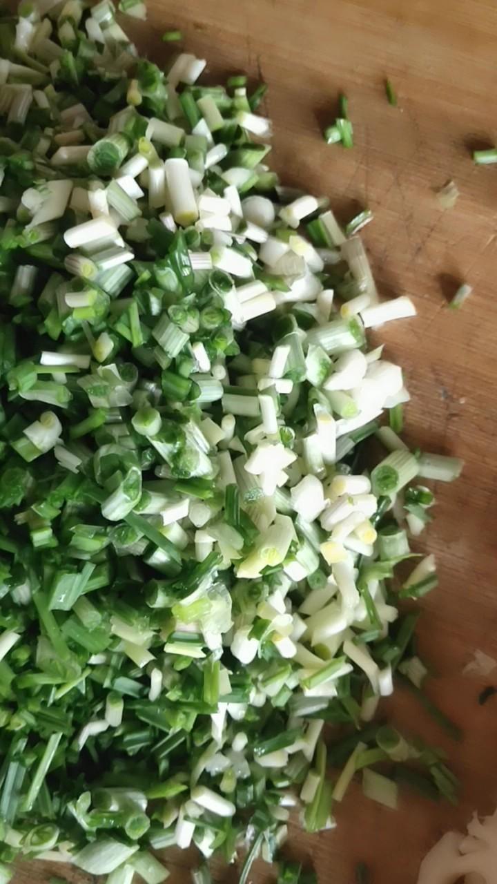 野韭菜炒鸡蛋