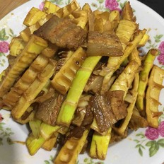 鲜竹笋烧五花肉