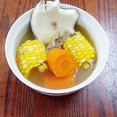 玉米萝卜椰肉骨头汤