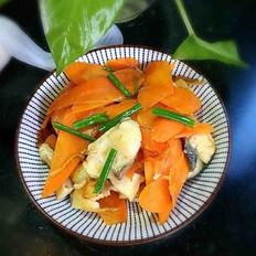 胡萝卜烧鱼块