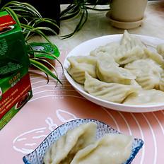 白菜香菇浓汤饺子