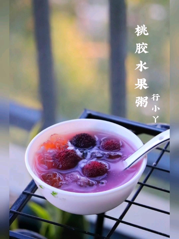 桃胶养颜水果粥