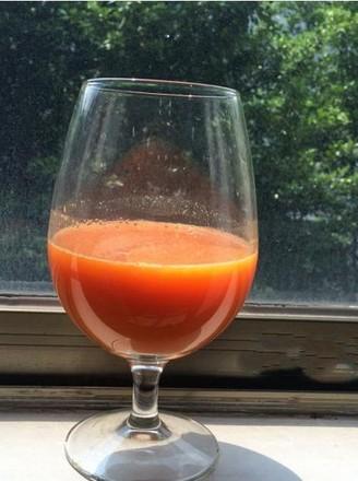 维生素A补充佳饮————胡萝卜汁的做法