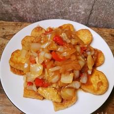 洋葱烧煎豆腐