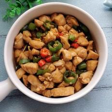 青红椒炒鸡脯肉