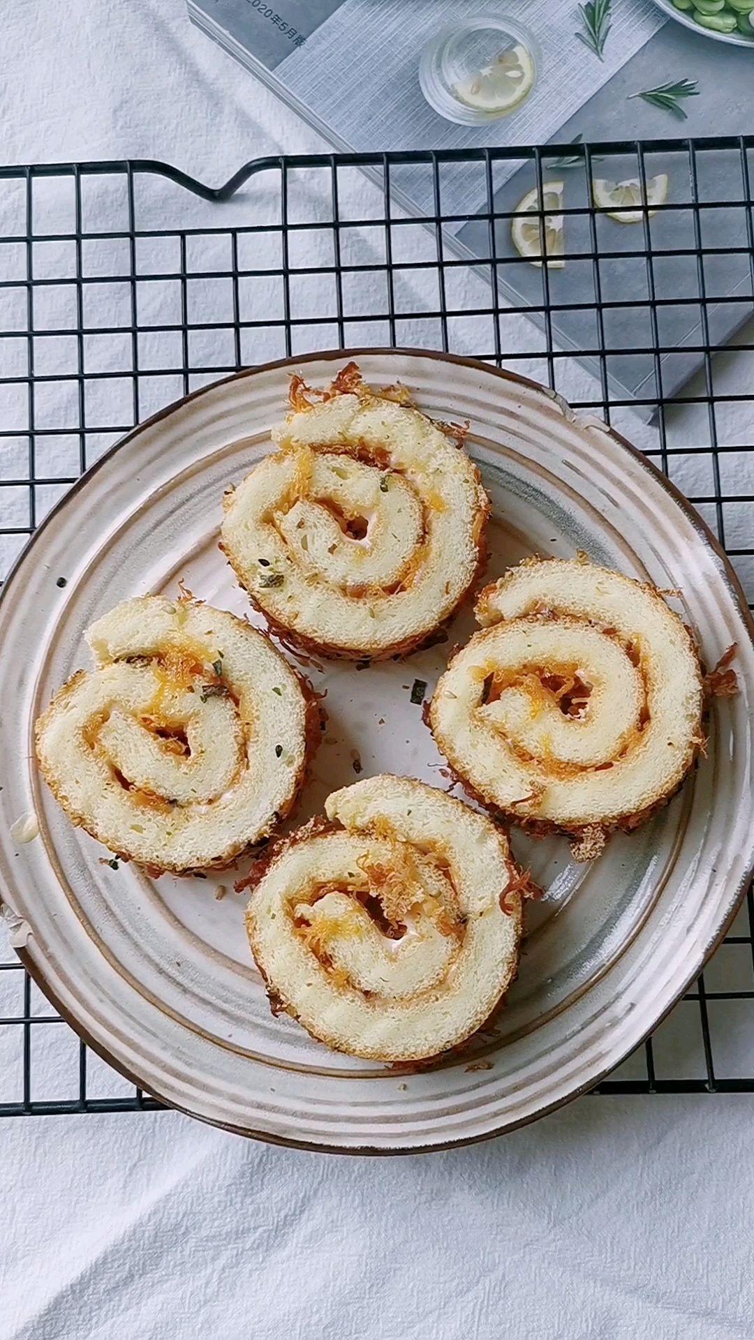 肉松蛋糕卷的做法