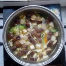 双菇豆腐汤