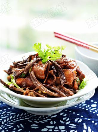 红烧茶树菇鸡块的做法