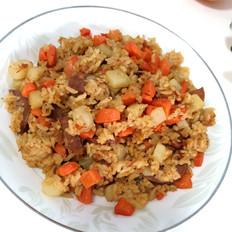 茄汁土豆香肠焖饭