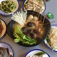 鸡煲浓汤火锅