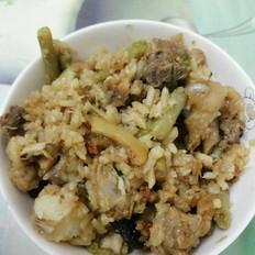 香菇鸡块焖饭