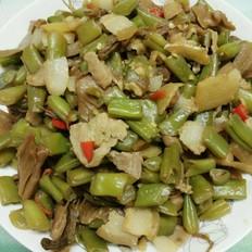 菜干五花肉炒四季豆