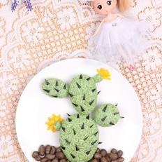 仙人掌餐盘画