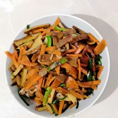 豆腐干炒胡萝卜火腿肉