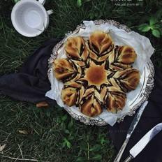 豆沙花形面包