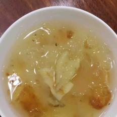银耳桃胶皂角米炖小花胶