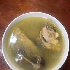 小鱼翅鱼胶炖鸡汤的做法