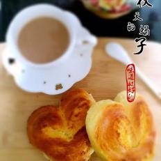 椰蓉心形小面包