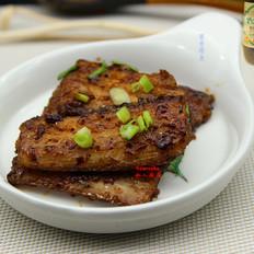 黑胡椒酱香带鱼