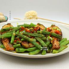 四季豆炒鱼