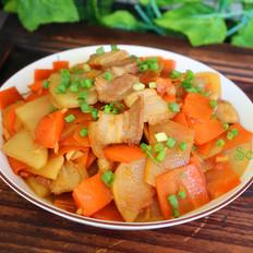 土豆胡萝卜炒五花肉