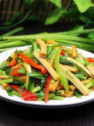 麻辣韭菜炒香干的做法