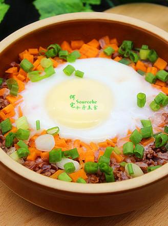 太阳蛋红米蒸饭的做法