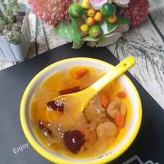 银耳红枣甜汤