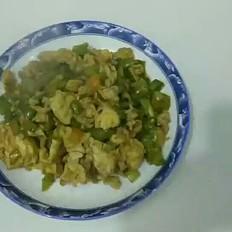 黄豆酱炒鸡蛋尖椒的做法