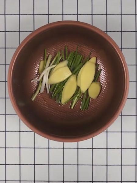 葱油鸡腿肉的简单做法