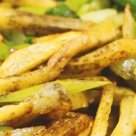 香辣土豆条怎么煮