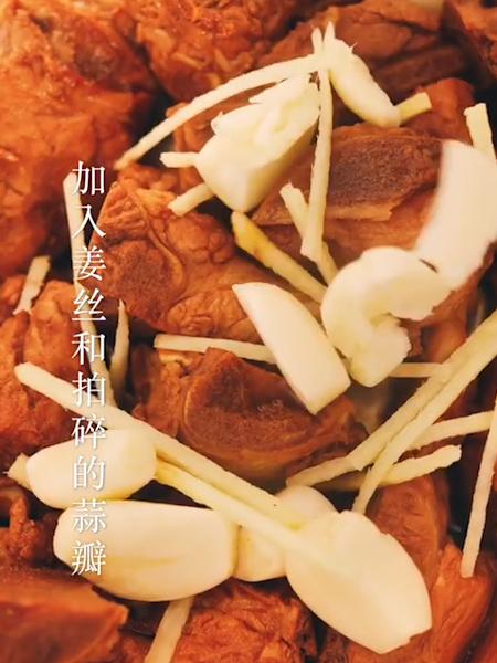 排骨焖饭怎么吃