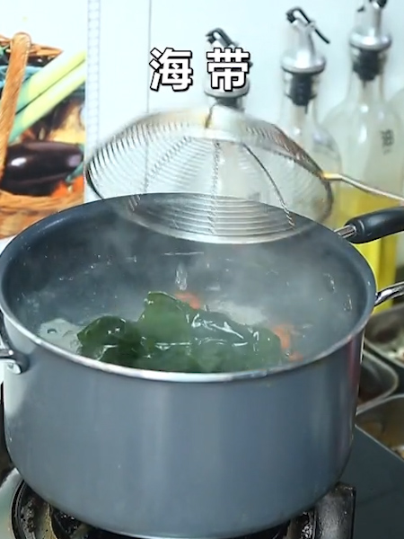 海带排骨汤的做法图解