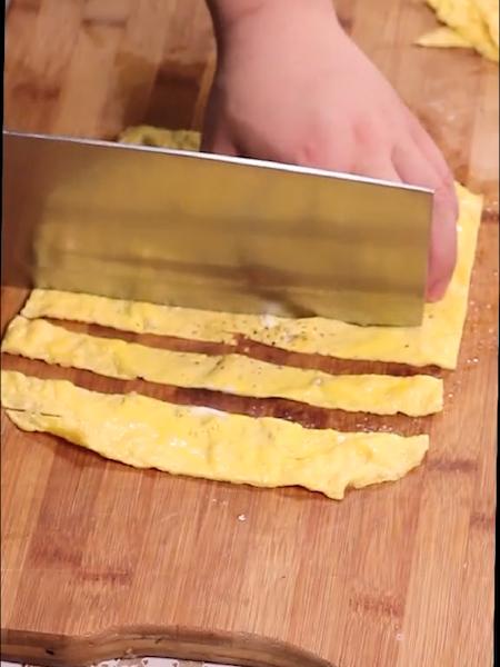 菠萝蛋包饭的家常做法