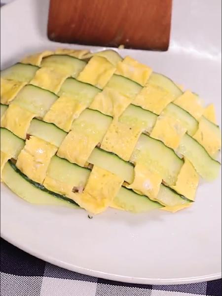 菠萝蛋包饭怎么煮