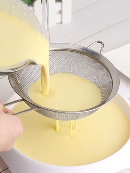 彩虹千层蛋糕的简单做法