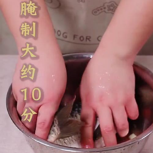砂锅鲫鱼的做法图解