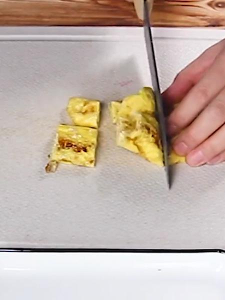 厚蛋烧全麦面包水果酸奶果蔬拼的家常做法