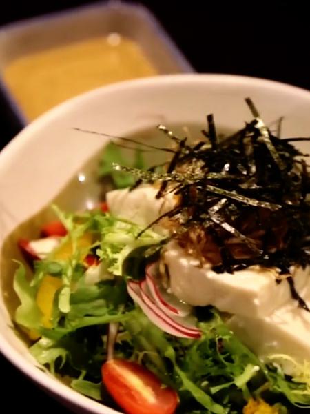 焙煎芝麻豆腐沙拉成品图