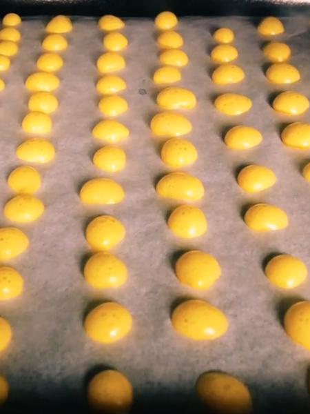 蛋黄溶豆怎么炒