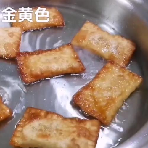 酥脆香蕉派怎么吃