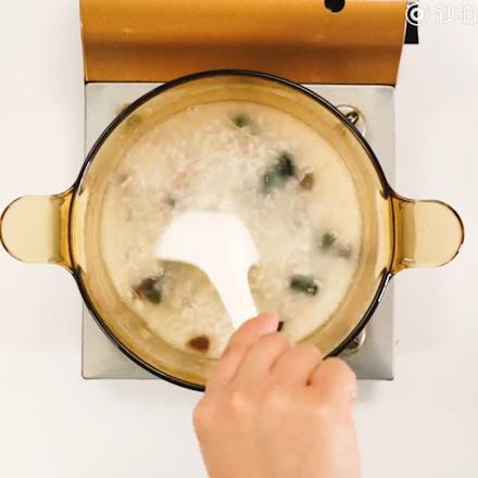皮蛋瘦肉粥的做法图解