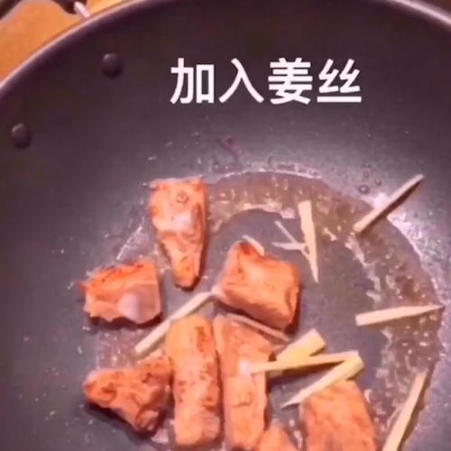 电饭锅排骨焖饭怎么吃