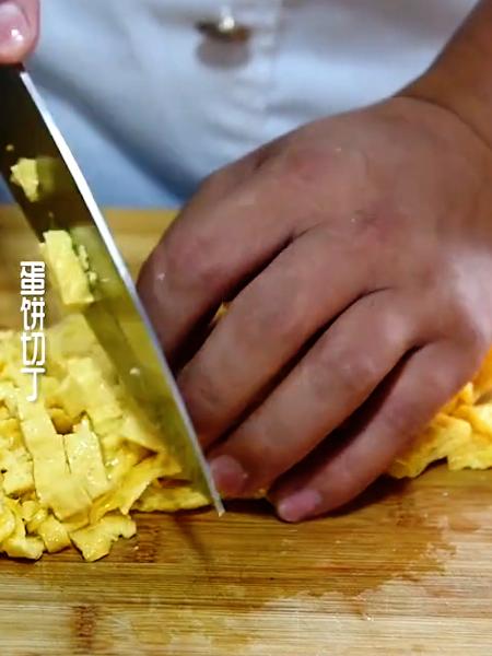 五花肉鸡蛋卷怎么做