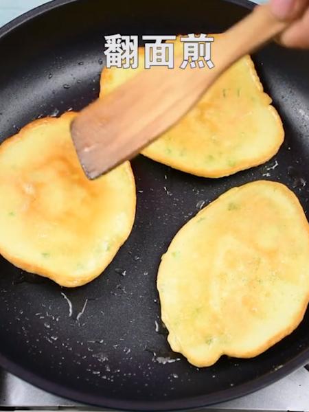 鸡蛋虾仁饼的做法图解