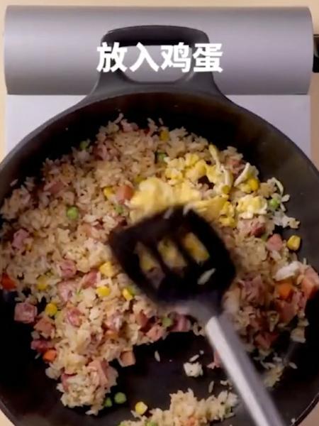 午餐肉炒饭怎么做