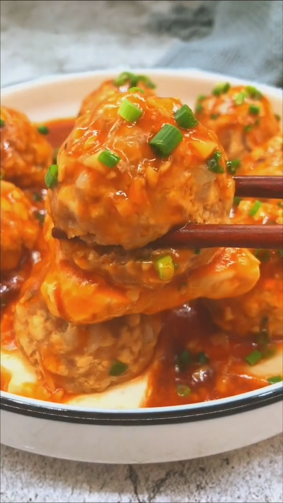 豆腐蒸肉丸成品图