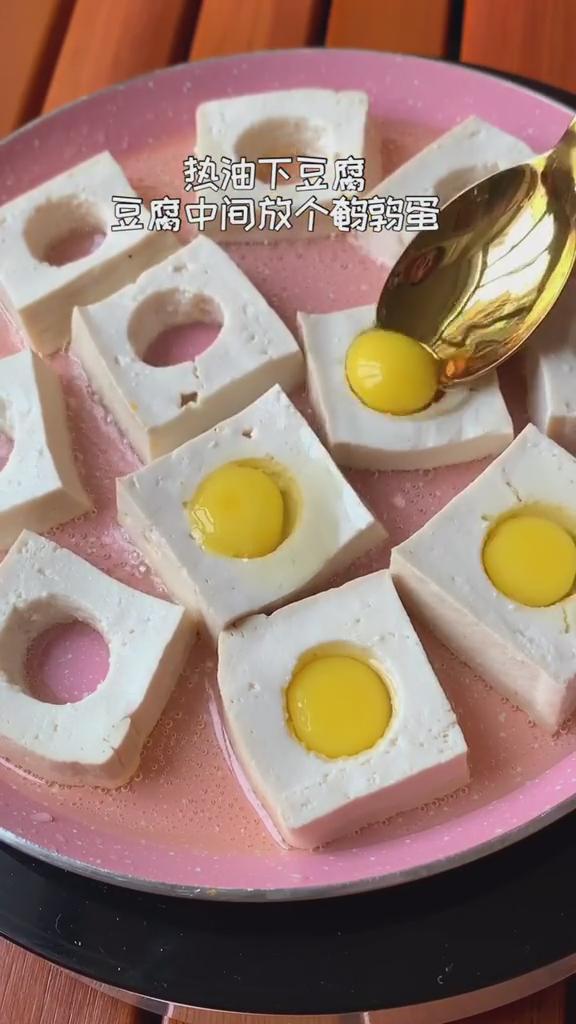 烧烤味豆腐煎蛋的家常做法